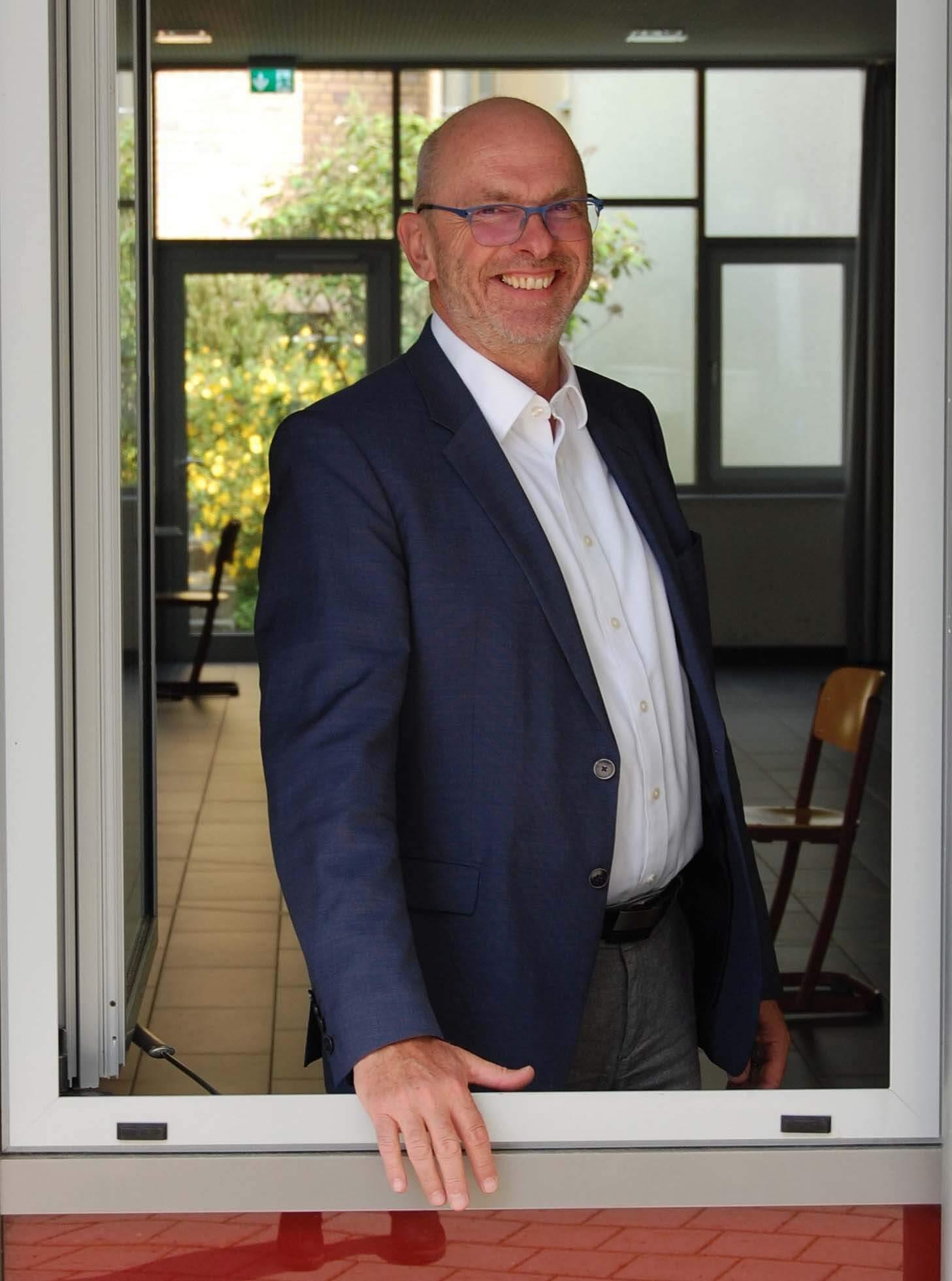 Gymnasium Hersbruck - Direktor Klaus Neunheoffer